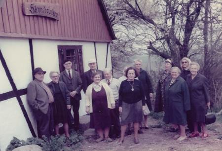 """Svogerslev ældreklub på besøg på """"Skvatbrinken"""". Billedet er i privateje."""