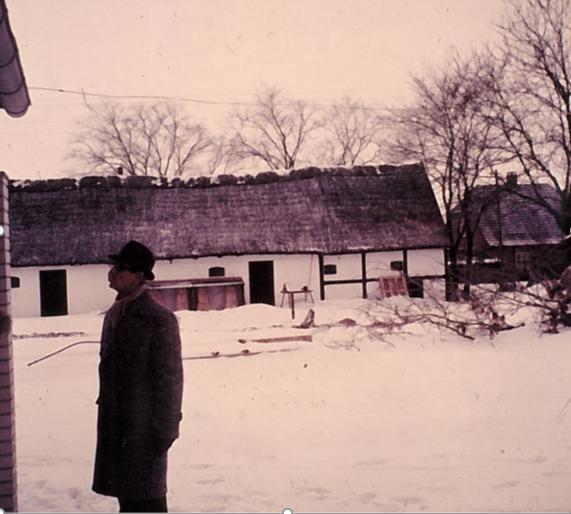 Svogerslev kro set fra Pilestykket, 1966. Dias i privateje.